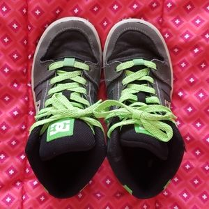 2/15 Boys D/C high top sneakers. Size 1